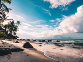 beach-clouds-daytime-994605-640x481.jpg