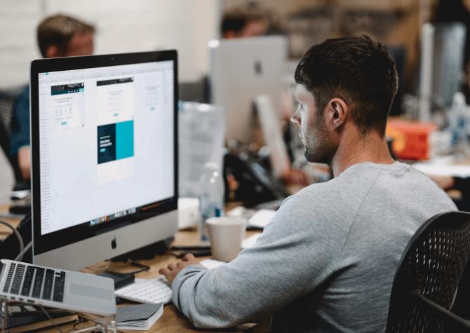 eCommerce: Una guía para contratar a su primer empleado